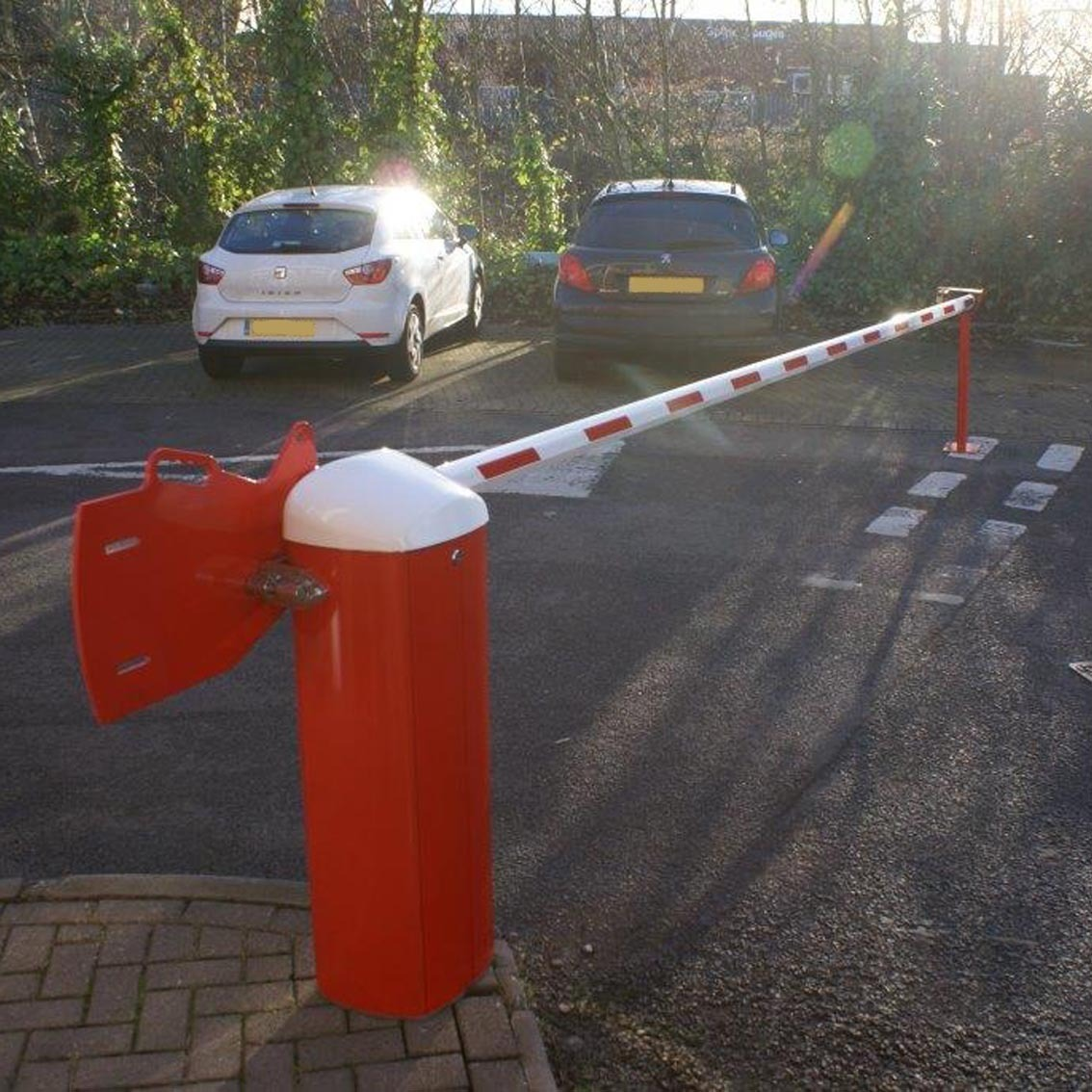 Alluminium rising arm barrier1