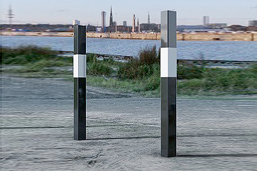 Bollards Hi Viz (50-150mm Square) 1000mm above ground Black & White Strong, Flat Caps