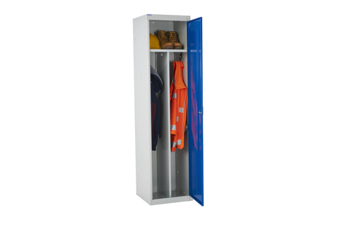 Lockers with three distinct storage areas (Keep dirty/clean/wet/dry clothes well separated)