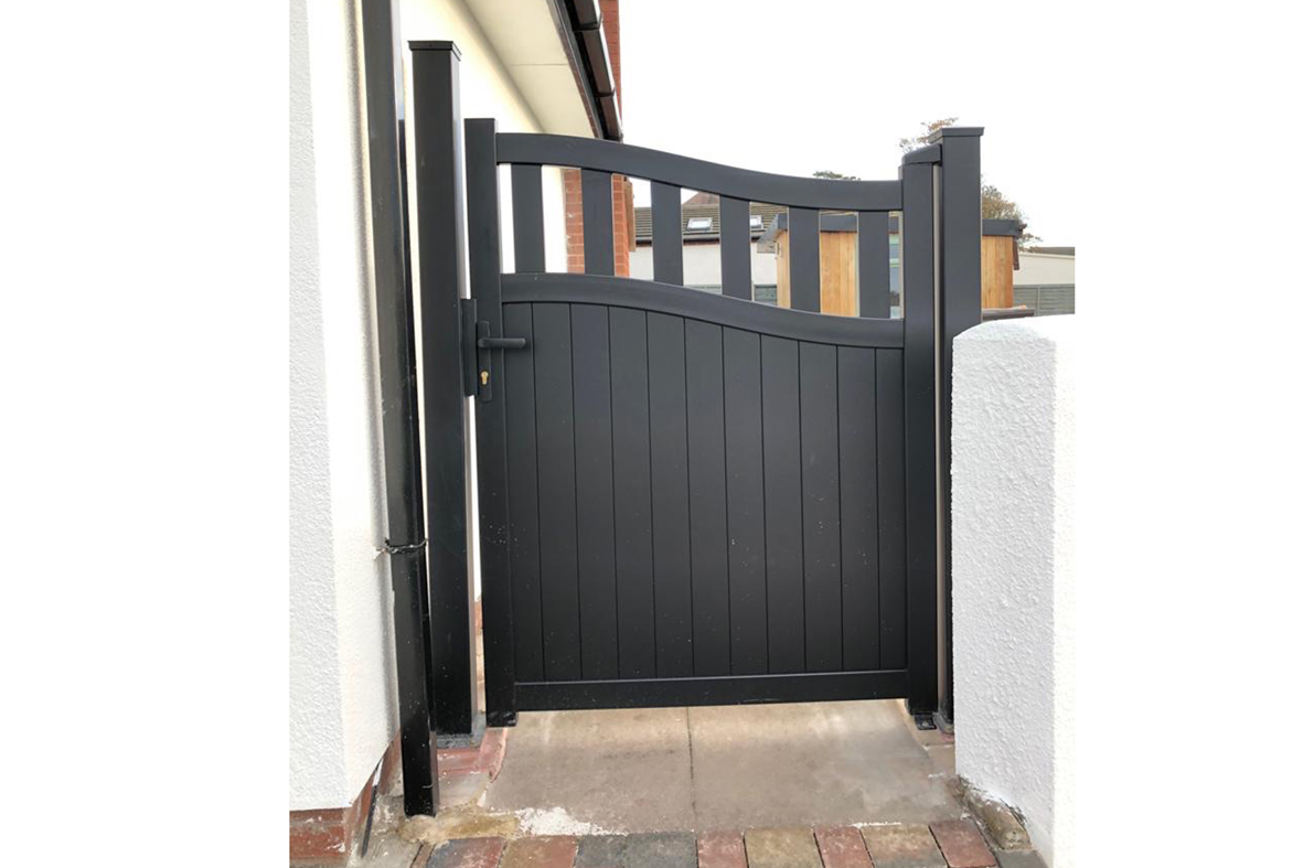 Side Gate & Pedestrian gate in Aluminium with mixed infill & Bell curved top - Maintenance free - Choice of colours and dimension image